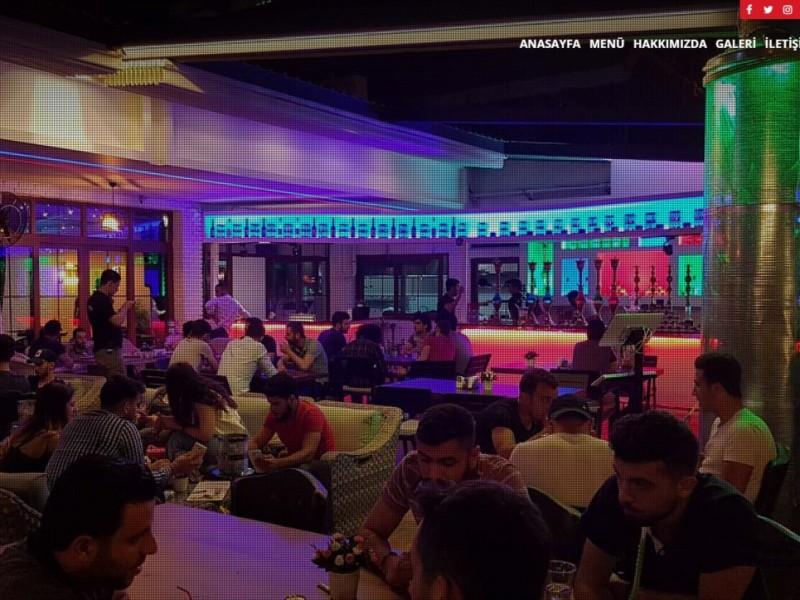 Adana Zippoo Lounge